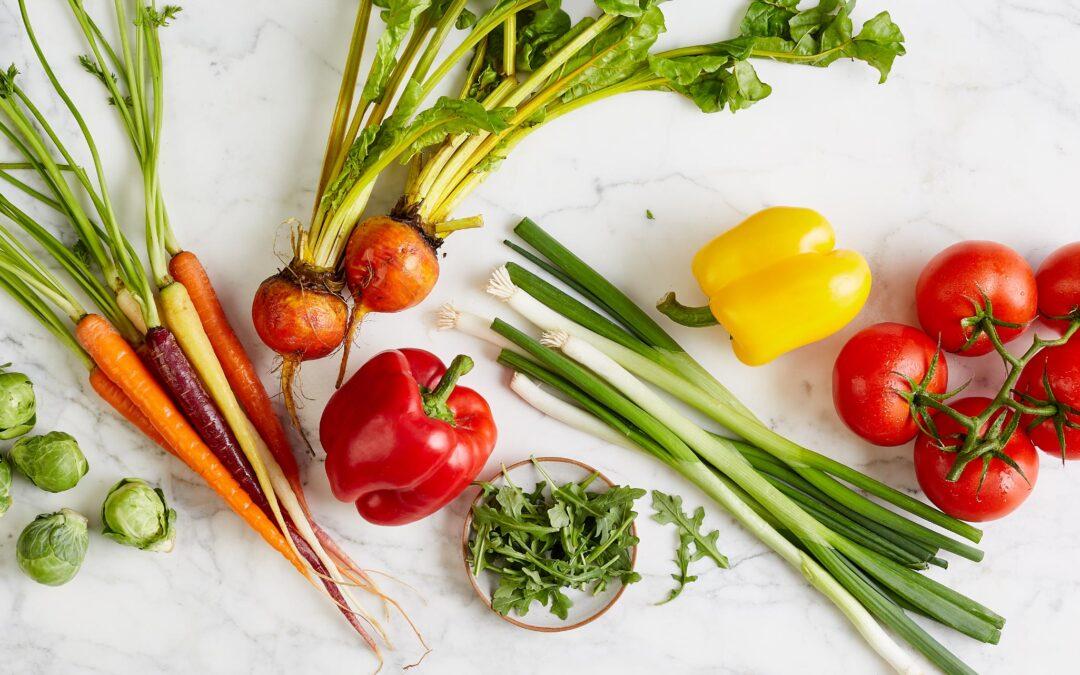 Які овочі їсти сирими, а які готувати?